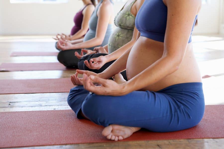 Mathilde Elind Kinésithérapie Bordeaux Quinconces yoga pré et post natal maman bébé